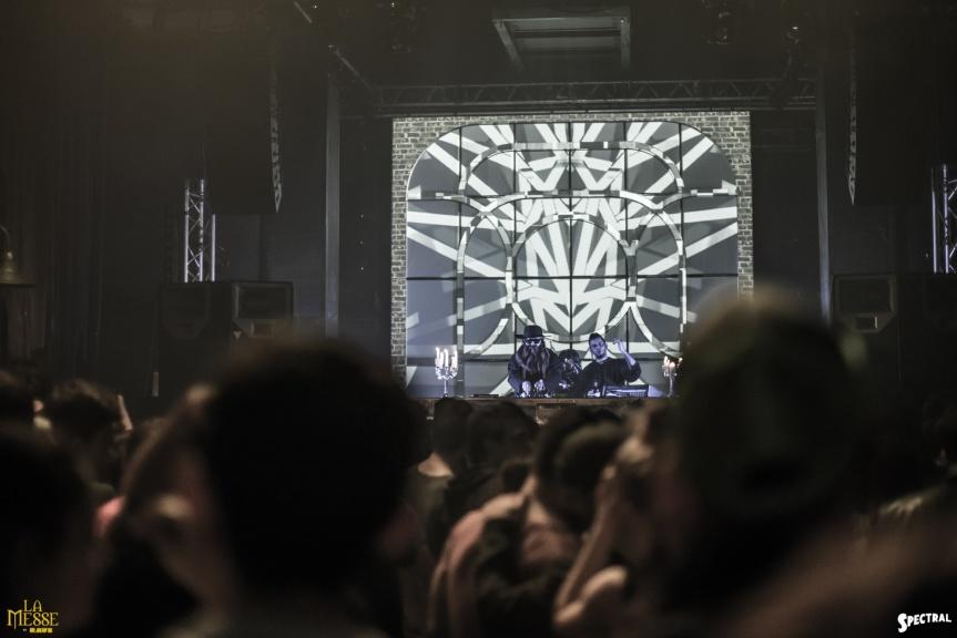 [Photos] Rave présente la Messe