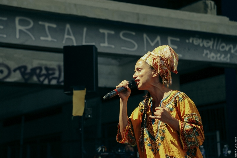Du casque au playground : Siska sensibilise les jeunes de la Belle de Mai à la création musicale
