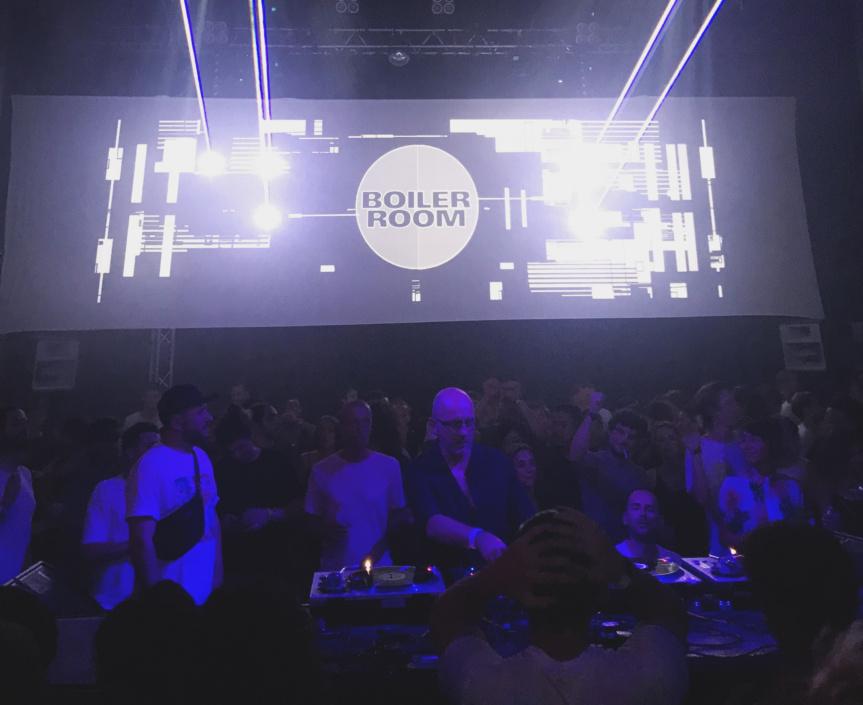 Report : Sven Vath et Carola Pisaturo pour Boiler Room Marseille au Cabaret Aléatoire